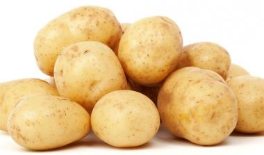Pile of white potatoes